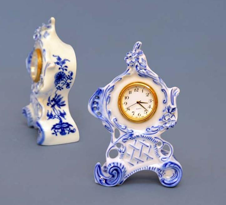 Cibulák Hodiny Vlasta se strojkem 12,6 cm originální cibulákový porcelán Dubí, cibulový vzor,