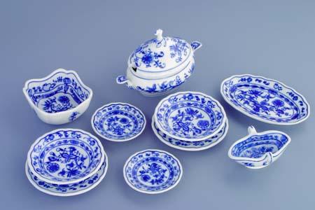 Cibulák Souprava jídelní miniaturní 570 g originální cibulákový porcelán Dubí, cibulový vzor,