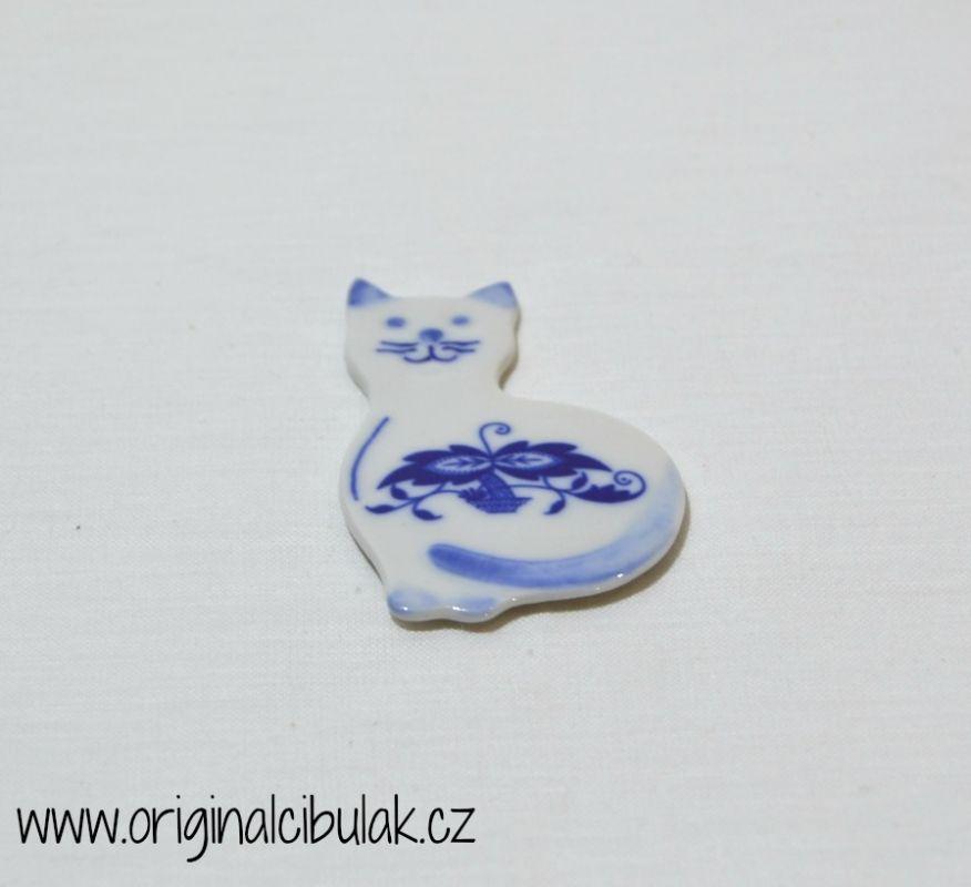 Cibulák Magnetka kočička 6,6 cm, originální cibulákový porcelán Dubí, cibulový vzor,