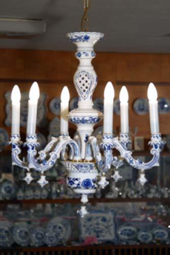 Lustr šestiramenný - komplet - originální cibulák, cibulový porcelán Dubí