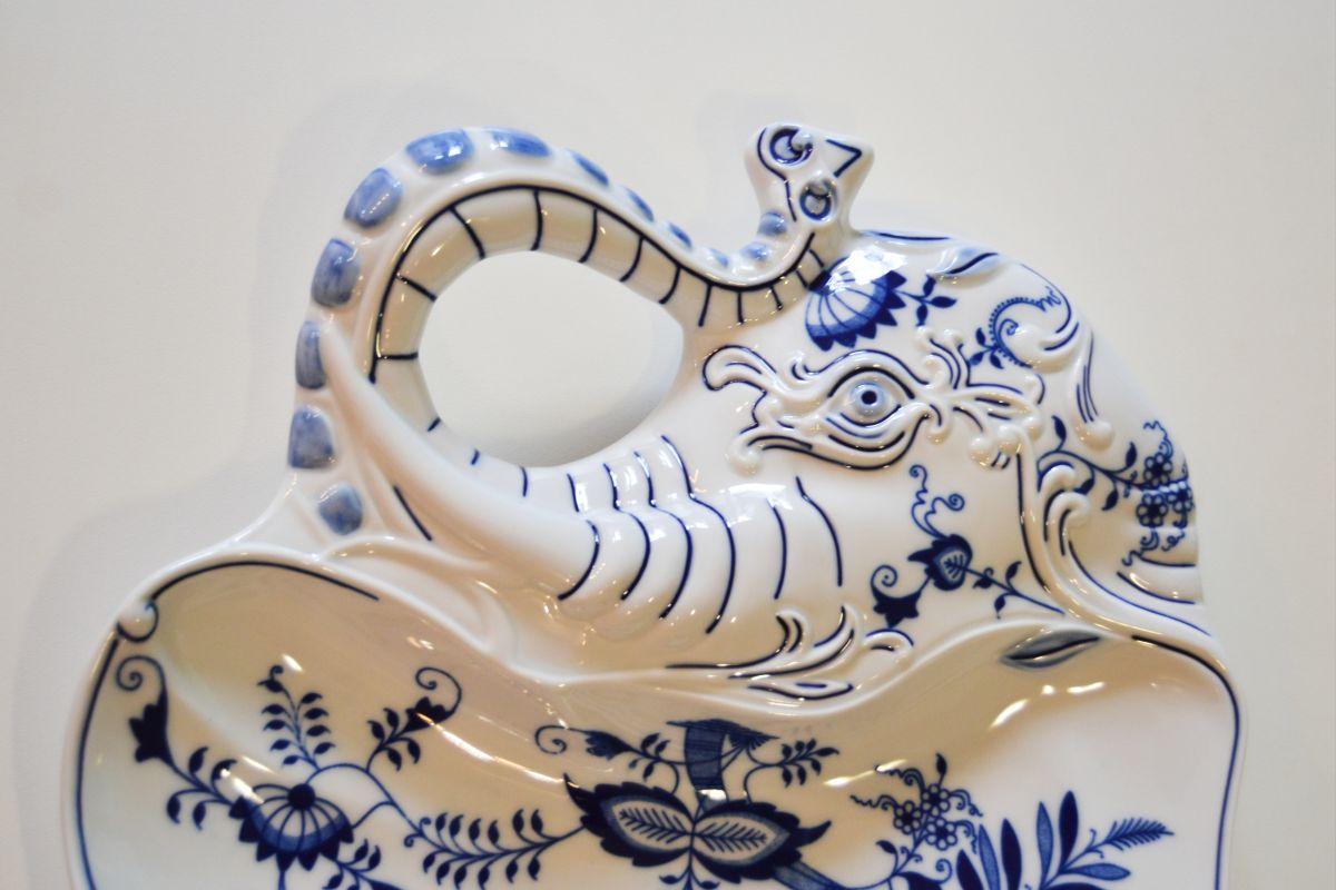 Cibulák slon ucho na zeď 31 cm originální cibulákový porcelán Dubí, cibulový vzor