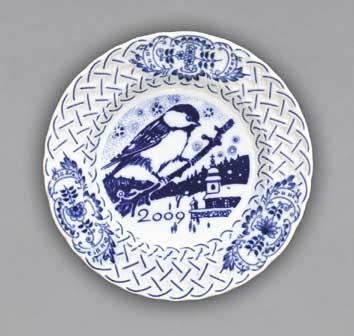 Cibulák Talíř výroční 2009 závěsný reliéfní 18 cm , originální cibulákový porcelán Dubí , cibulový vzor, 1. jakost