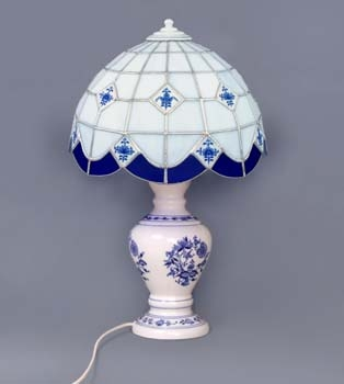Cibulák Lampový podstavec se stínítkem vitráž neprolamovaný 50 cm originální cibulákový porcelán Dubí, cibulový vzor 1. jakost
