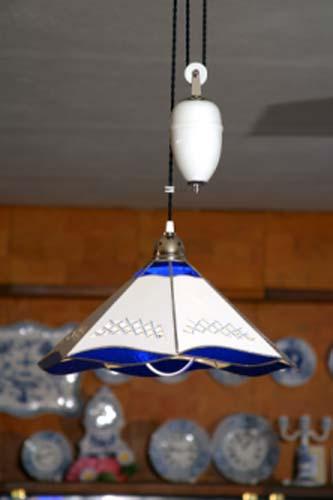 Cibulák lampa stahovací bílé závaží 46 cm originální cibulákový porcelán Dubí, cibulový vzor 1. jakost