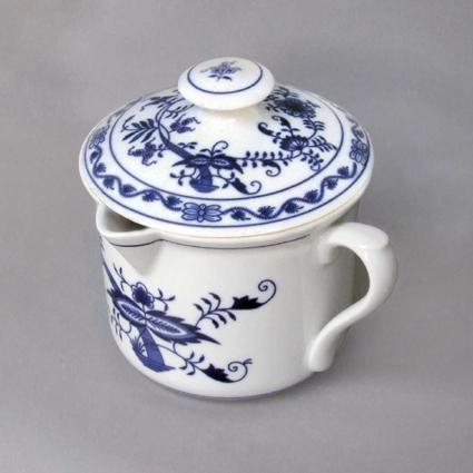 Cibulák Hrnek Vařák velký s hubičkou bočním uchem a víčkem 0,90 l originální cibulákový porcelán Dubí, cibulový vzor, 1.jakost