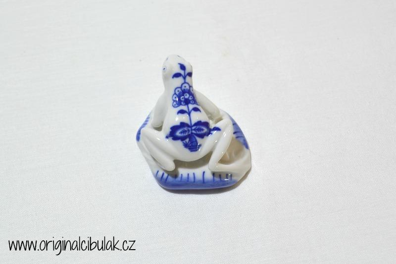 Cibulák Žabka 5,5 cm originální cibulákový porcelán Dubí, cibulový vzor, 1.jakost