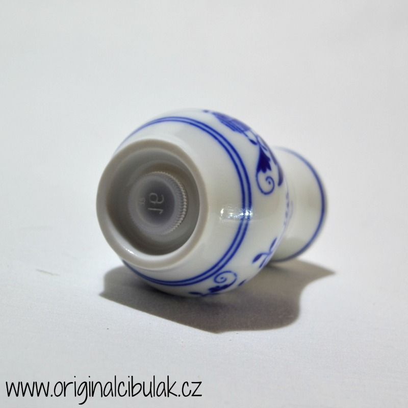 Cibulák pepřenka sypací bez nápisu 5 cm , originální cibulákový porcelán Dubí, cibulový vzor