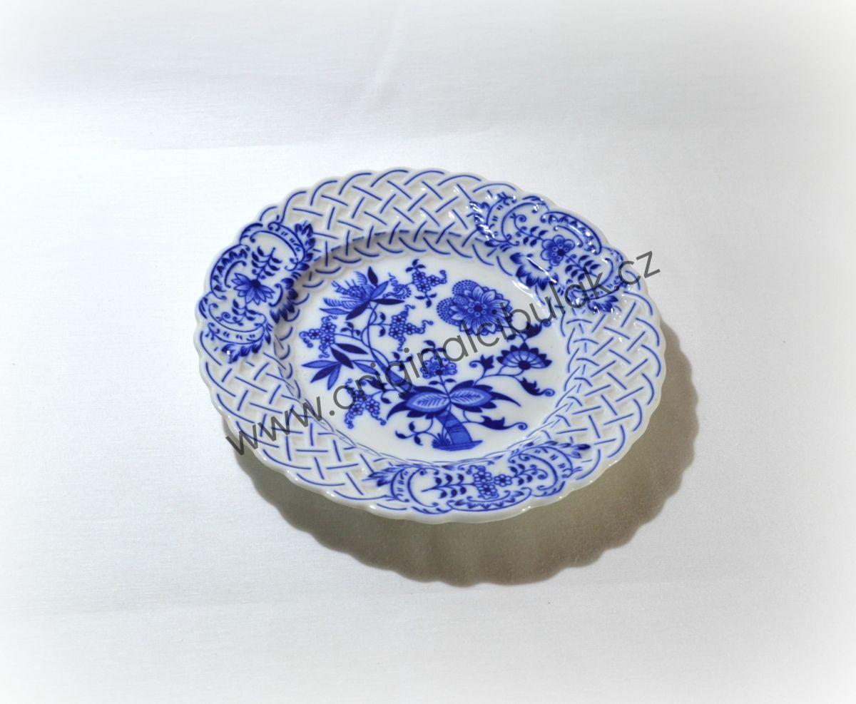 Cibulák talíř reliéfní 18 cm originální cibulákový porcelán Dubí, cibulový vzor,
