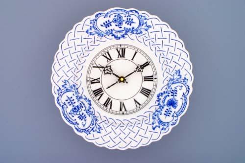 Cibulák Hodiny reliéfní se strojkem 27 cm originální cibulákový porcelán Dubí, cibulový vzor,