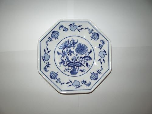 Cibulák talíř stolní Oktan osmihranný 19,5 cm originální cibulákový porcelán Dubí, cibulový vzor,