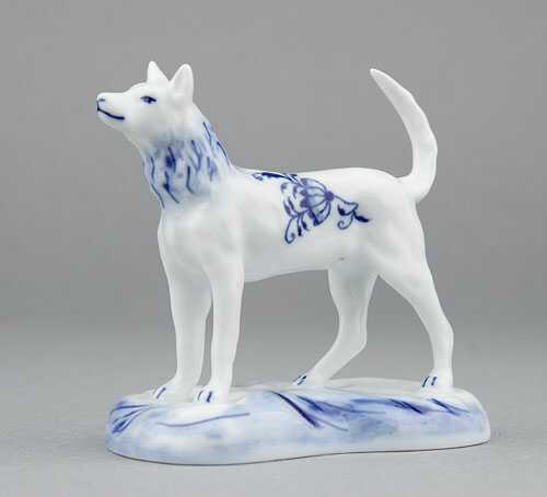 Cibulák Pes na podstavci 6 cm originální cibulákový porcelán Dubí, cibulový vzor,