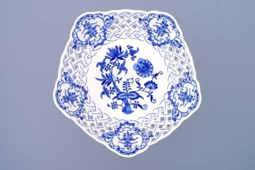 Cibulák Mísa pětihranná prolamovaná na dortové noze 24 cm originální cibulákový porcelán Dubí, cibulový vzor,