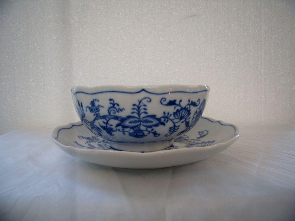 Cibulák šálek + podšálek bujón bez oušek 0,30 l originální cibulákový porcelán Dubí, cibulový vzor,