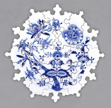 Cibulák Puzzle 19 dílů 25 cm originální cibulákový porcelán Dubí, cibulový vzor,