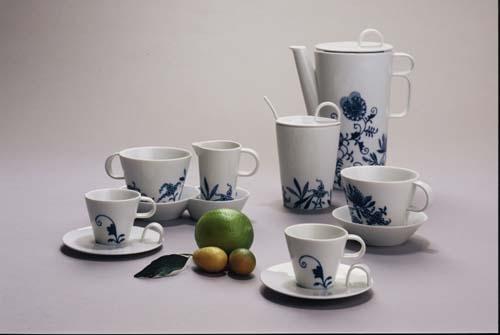 Kávová souprava Bohemia Cobalt - design prof. arch. Jiří Pelcl, cibulový porcelán Dubí