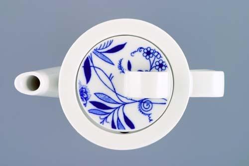 Konvice káva - Bohemia Cobalt s víčkem malým - design prof. arch. Jiří Pelcl, cibulový porcelán Dubí