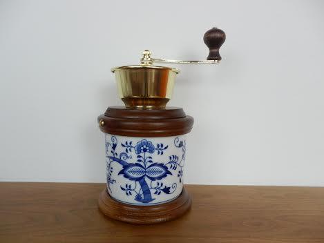 Cibulák Mlýnek na kávu Vařák originální cibulákový porcelán Dubí, cibulový vzor,