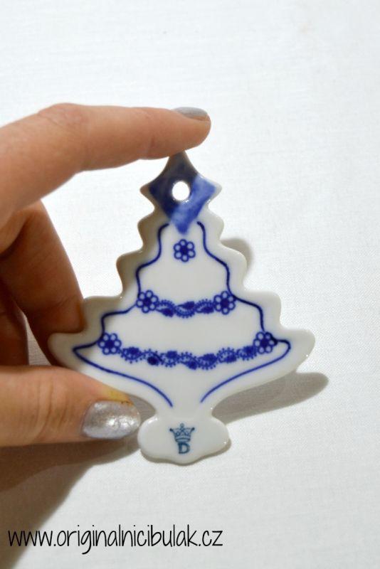 Cibulák vánoční ozdoba stromeček závěs 8,4 cm, originální cibulákový porcelán Dubí, cibulový vzor