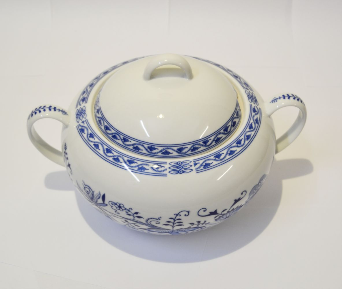 mísa cibulák Henriette zeleninová terina 1,7 L Henrieta Saphyr Thun český porcelán