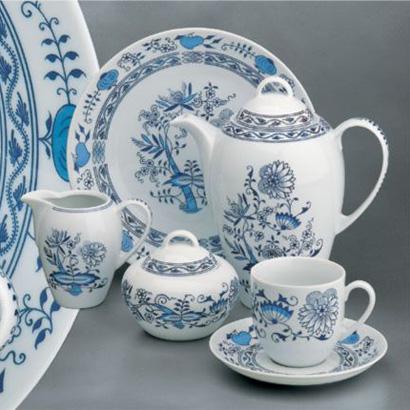 cibulák talíř mělký 21 cm Henriette Saphyr Thun Henrieta český porcelán