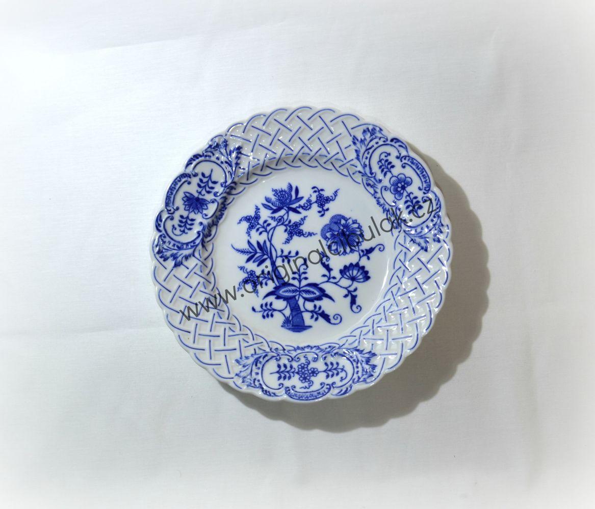 Cibulák talíř reliéfní 24 cm originální cibulákový porcelán Dubí, cibulový vzor, 1.jakost