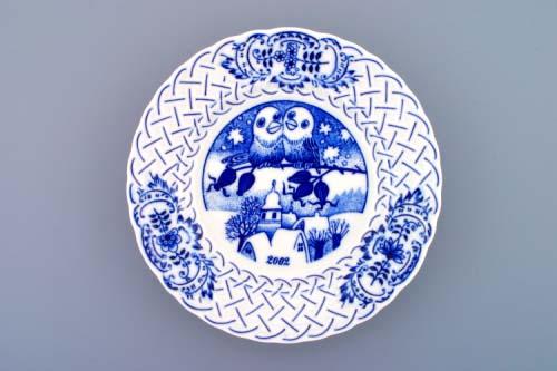 Cibulák Talíř výroční 2002 závěsný reliéfní 18 cm , originální cibulákový porcelán Dubí , cibulový vzor, 1. jakost
