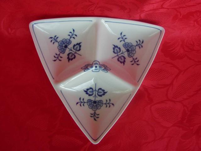 Cibulák miska Trina třídílná malá 20,3 cm originální cibulákový porcelán Dubí, cibulový vzor, 1.jakost