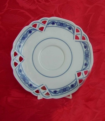 Cibulák Podšálek čaj ozdobný 15,3 cm originální cibulákový porcelán Dubí, cibulový vzor, 1.jakost
