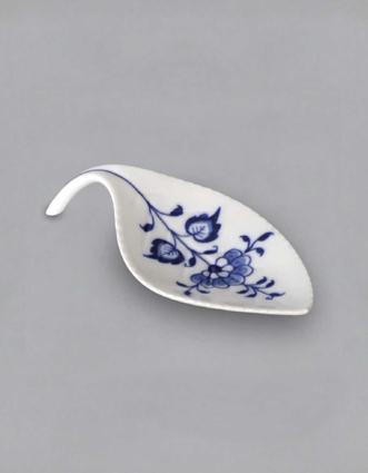 Cibulák Miska na odkládání čajového sáčku lísteček 12,4 cm originální cibulákový porcelán Dubí, cibulový vzor 1. jakost