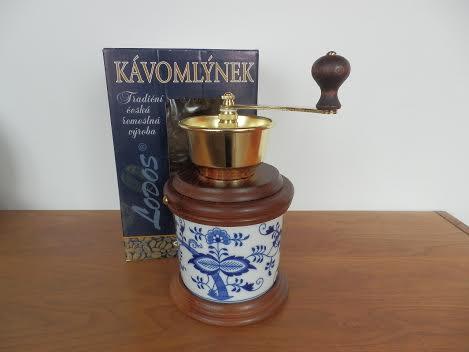 Cibulák Mlýnek na kávu Vařák originální cibulákový porcelán Dubí, cibulový vzor, 1.jakost