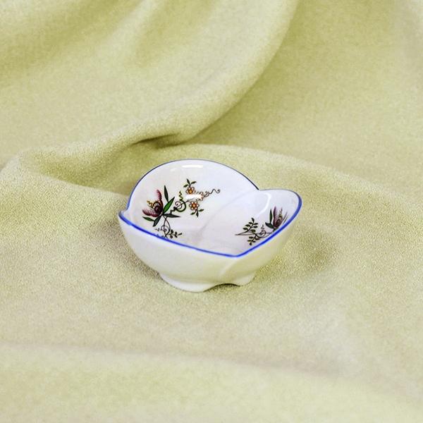 Miska trojlístek 3,7 cm, NATURE barevný cibulák, cibulový porcelán Dubí 1.jakost