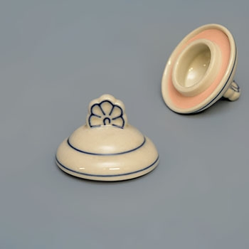 Víko k dózičce na koření 0,20 l originální cibulákový porcelán Dubí, cibulový vzor, 1. jakost